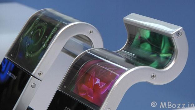 Smartphones With Flexible Screens Coming In 2013!