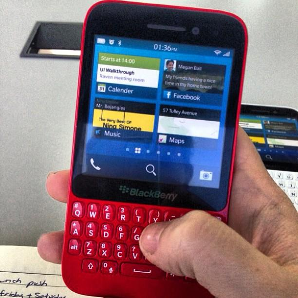 BlackBerry R10, a budget BB10 smartphone with QWERTY keypad leaked