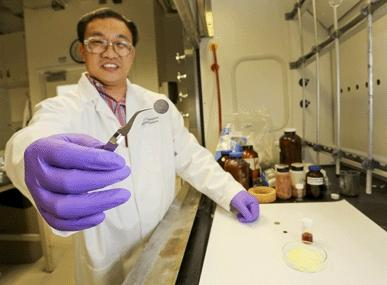 Solid electrodes could unlock lithium-sulphur cell potential